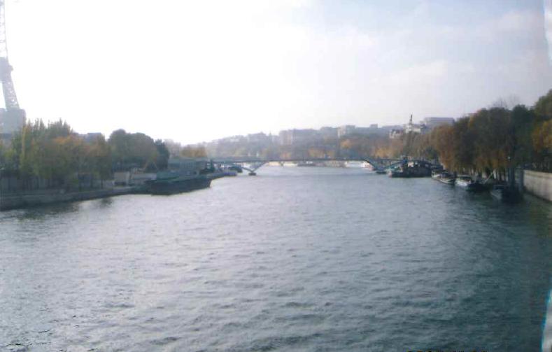 パリの治安のいいおすすめの地区からホテル選び