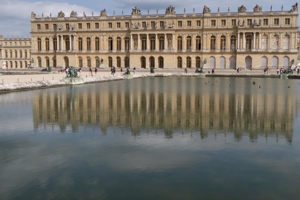 庭園から見たベルサイユ宮殿