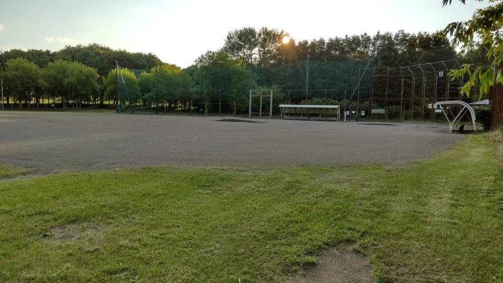前田森林公園の野球場A