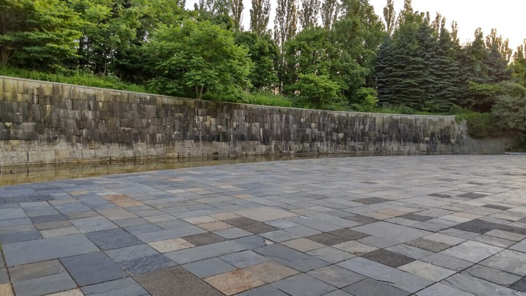 前田森林公園の壁泉