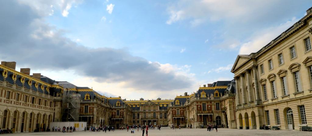 ベルサイユ宮殿エントランス