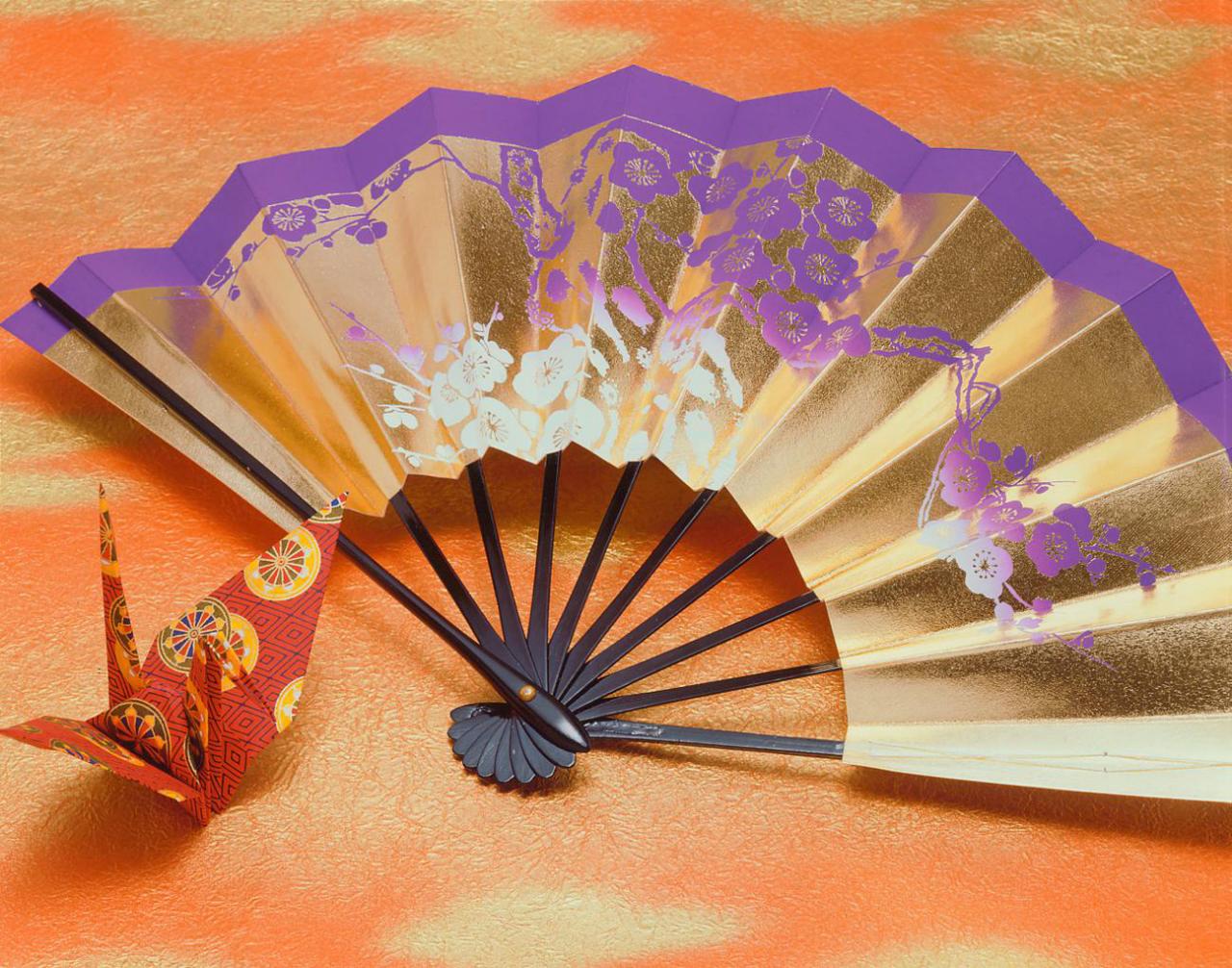 正月 扇子 折り紙の鶴