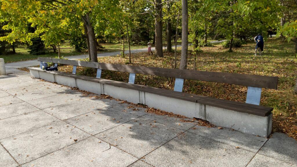 モエレ沼公園のベンチ