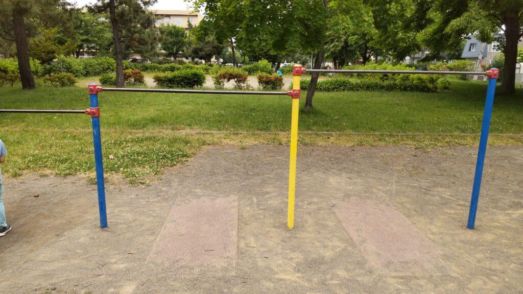 前田公園の鉄棒