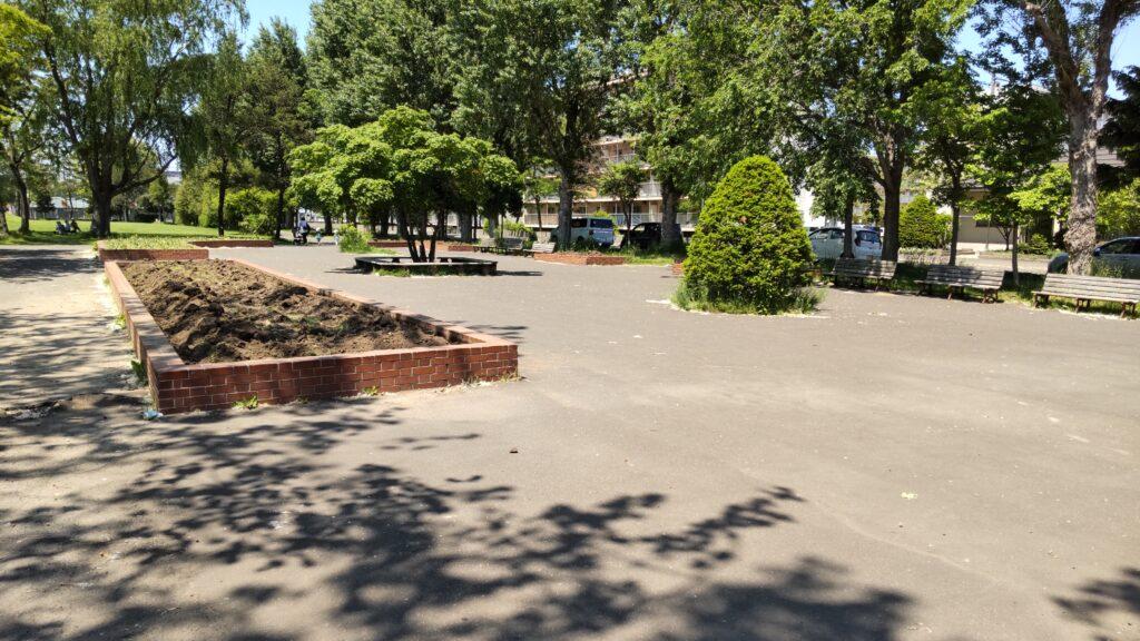 手稲稲積公園の休養広場