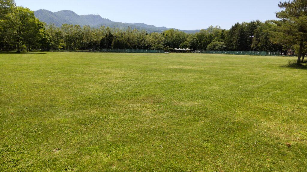 手稲稲積公園の多目的広場