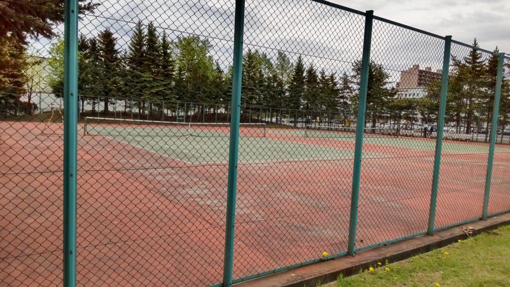 星置公園の硬式テニスコート