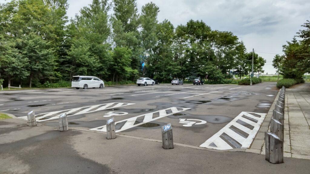 星観緑地の駐車場